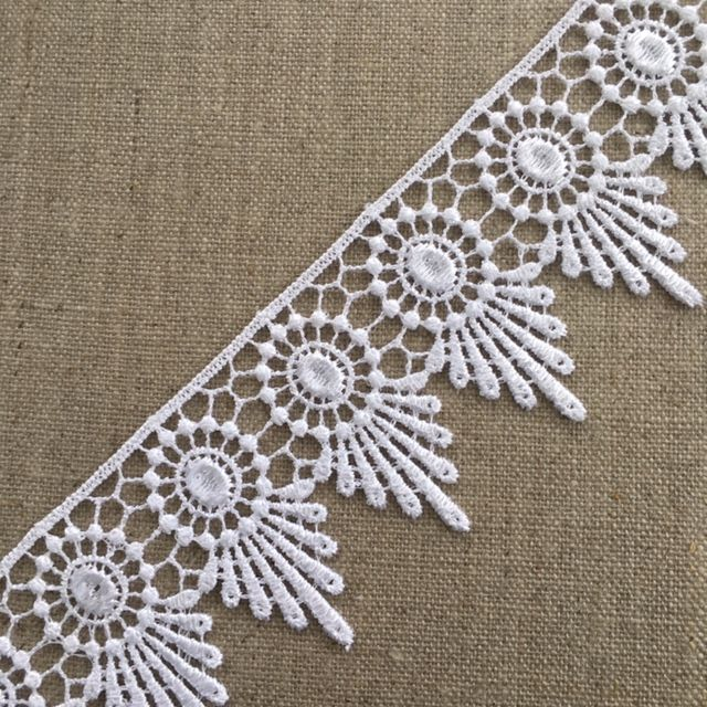 50mm White Circle and Fan Guipure Lace