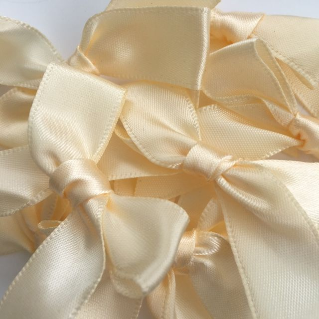 Bows - 15mm Satin