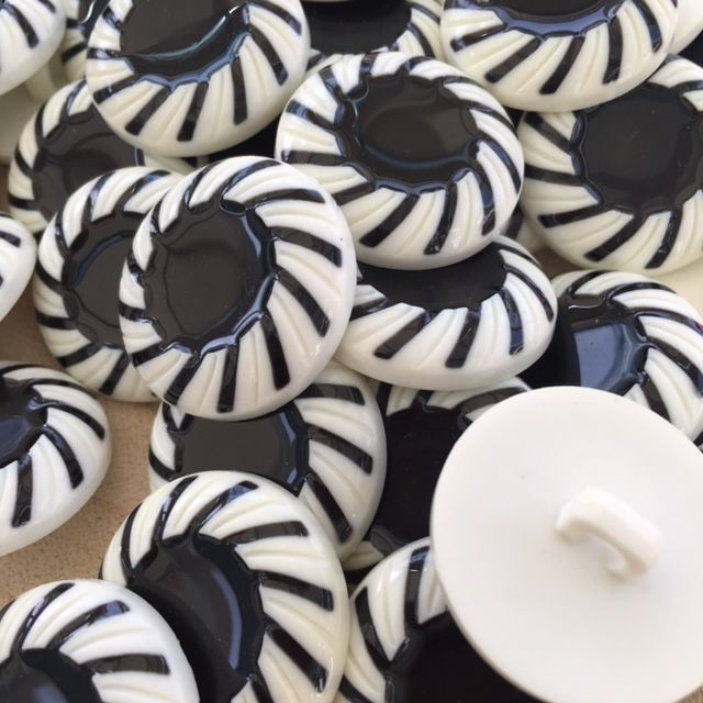 White & Black 25mm Button